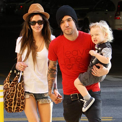 MODERN FAMILY  photo | Ashlee Simpson, Pete Wentz