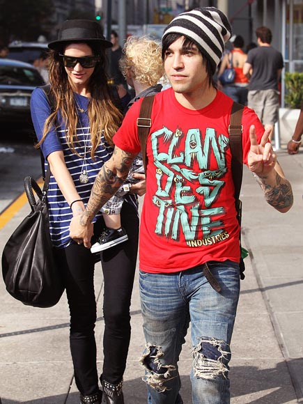 STARS IN STRIPES  photo | Ashlee Simpson, Pete Wentz