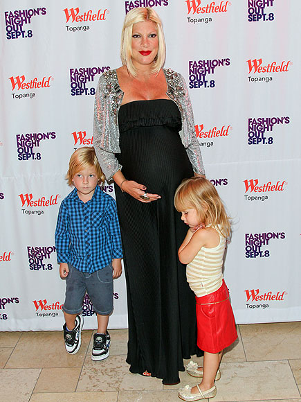 MOMMY & ME  photo | Tori Spelling