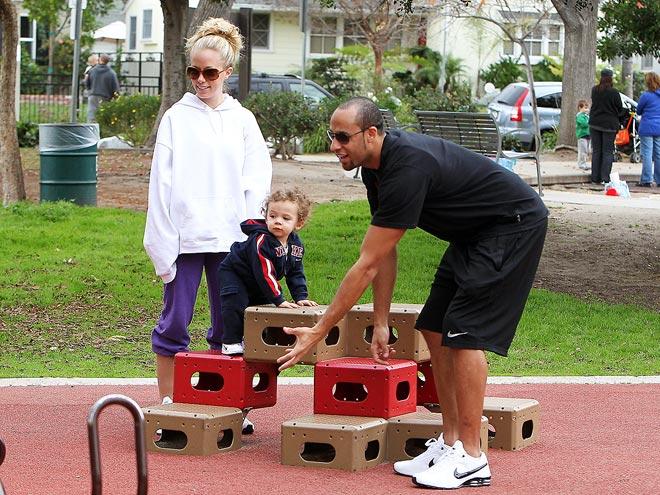 BUILDING BLOCKS  photo | Hank Baskett, Kendra Wilkinson