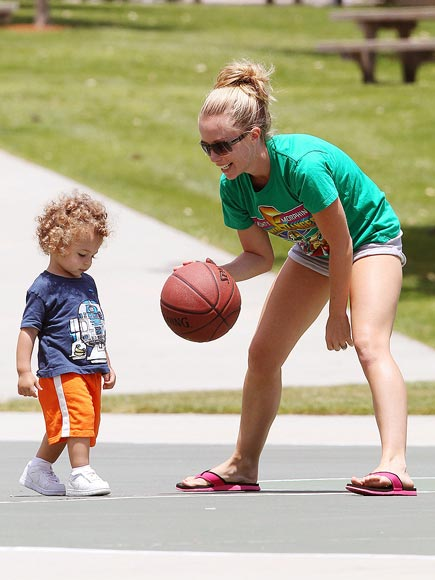 HOOP DREAMS photo | Hank Baskett, Kendra Wilkinson