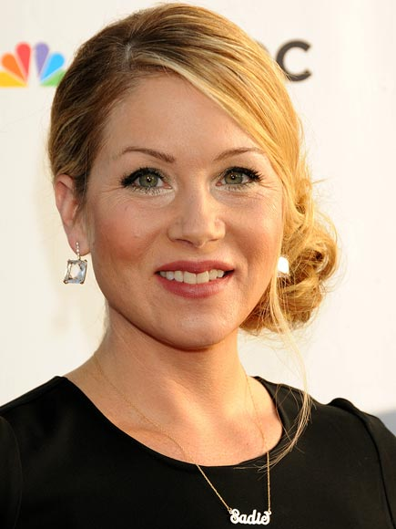 CHRISTINA APPLEGATE'S PERSONALIZED NECKLACE  photo | Christina Applegate