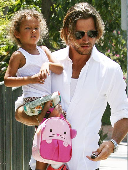 NAHLA AUBRY'S LUNCH BAG  photo | Gabriel Aubry