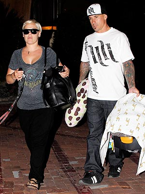 Pink & Carey Hart Take Their Daughter for Sushi