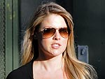 Ali Larter Shows Off Her Post-Baby Body at the Post Office | Ali Larter