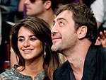 Penélope & Javier Feed Each Other at Dinner | Javier Bardem, Penelope Cruz