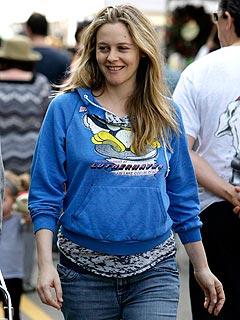 Vegan Alicia Silverstone Indulges Her Pregnancy Cravings in L.A. | Alicia Silverstone