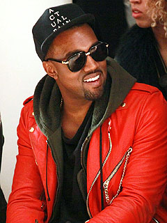 Kanye West Jams Out At Avenue | Kanye West