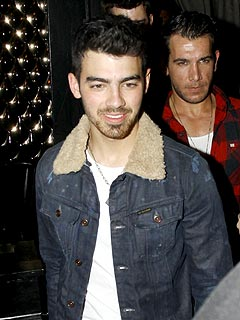 Joe Jonas's Late Night Dinner with His Band