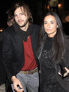 demi moore 240 Couples Watch: Demi &amp; Ashton Enjoy Pizza and Beer in Idaho