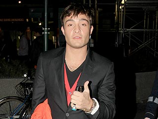 Ed Westwick Buys Drinks for Female Clubgoers in L.A. | Ed Westwick