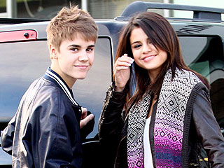 Justin Bieber & Selena Gomez Find Secret Pizza in Sin City   Justin Bieber, Selena Gomez