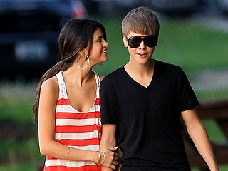Justin Bieber & Selena Gomez's Cheesecake & Pizza Date | Justin Bieber, Selena Gomez