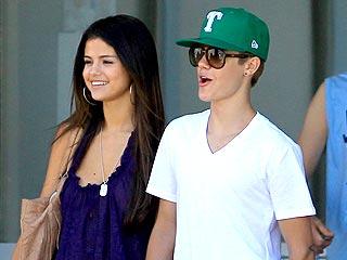 Justin Bieber & Selena Gomez's PDA-Filled Shopping Trip | Justin Bieber, Selena Gomez