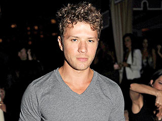 Ryan Phillippe Orders Oysters, Steak in the Big Apple | Ryan Phillippe
