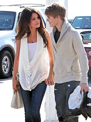 Celeb Sightings: Justin Bieber, Selena Gomez, Gerard Butler, Tyra Banks