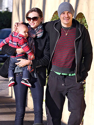 Orlando & Miranda Give Son Flynn a Tour of Paris