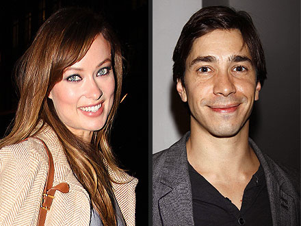 Olivia Wilde & Justin Long Grab Cocktails in N.Y.C.