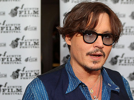 Johnny Depp Plays a Surprise Concert in Texas