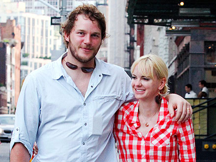 Anna Faris and Chris Pratt Indulge Their Inner Foodies