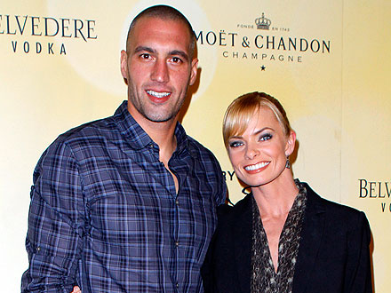 Jaime Pressly Parties in Vegas with Her New Man | Jamie Pressley