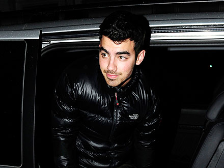 Joe Jonas Parties with Little People in L.A. | Joe Jonas