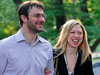 Chelsea Clinton Watches Football over Dinner with Her Hubby | Chelsea Clinton