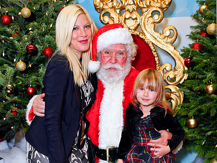 Tori Spelling and Daughters Enjoy a Girls&#39; Day Out | Tori Spelling