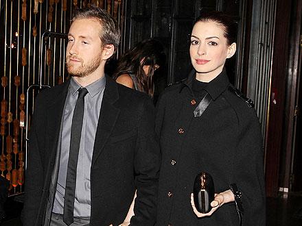 Anne Hathaway & Adam Shulman Get Cozy at Movie Premiere in N.Y.C.