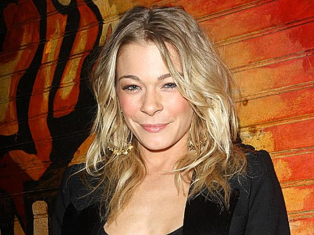 LeAnn Rimes Checks Out Go-Go Dancers | LeAnn Rimes