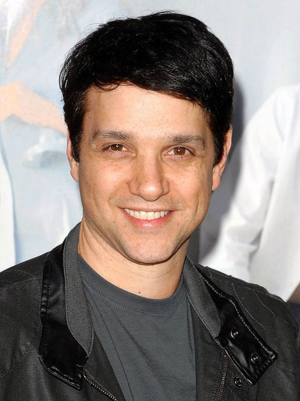 ralph macchio and wife. ralph macchio wife pictures. Elijah Wood, Ralph Macchio; Elijah Wood, Ralph Macchio. getbigg21. Jun 26, 08:17 PM. didn#39;t realize this was a bidding