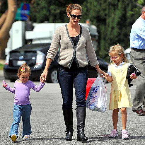  photo | Jennifer Garner, Violet Affleck