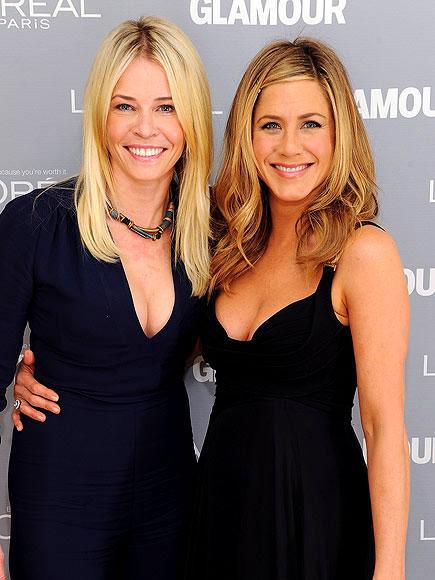 photo | Chelsea Handler, Jennifer Aniston