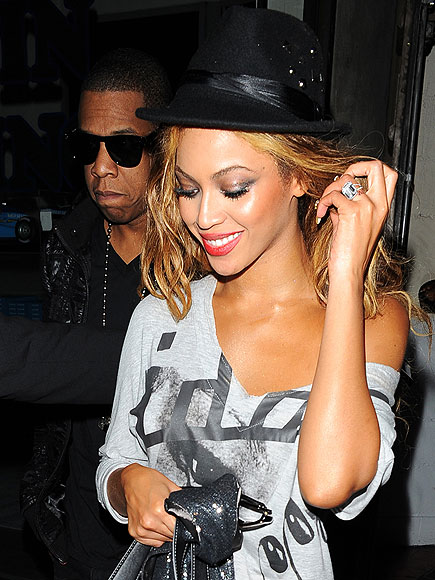 HE PUT A (HUGE) RING ON IT photo | Beyonce Knowles, Jay-Z