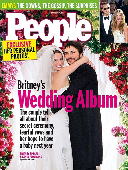 SURPRISE CEREMONY  photo | Britney Spears