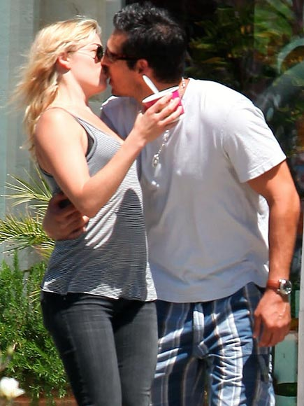 KISS ON THE GO