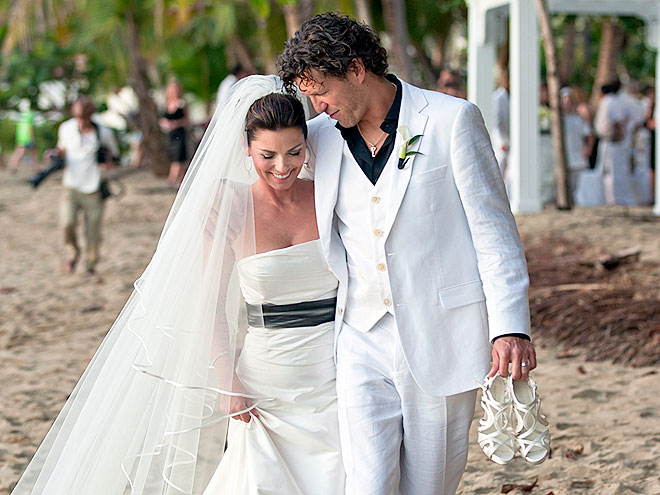 SHANIA GETS MARRIED 