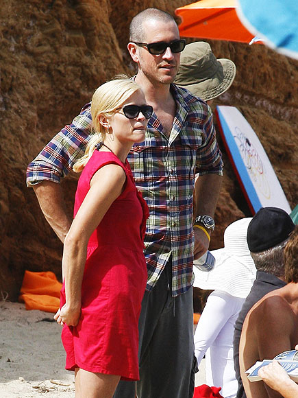 HOLIDAY IN THE SUN  photo | Jim Toth, Reese Witherspoon