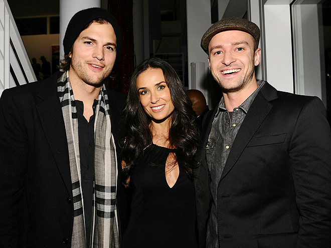 KICK OFF
