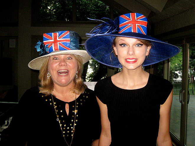 TAYLOR & ANDREA