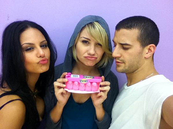 CHELSEA KANE & HER 'PEEPS'