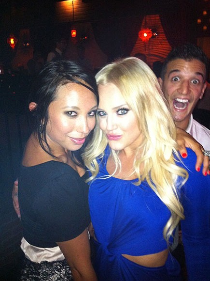 PHOTO BOMB
