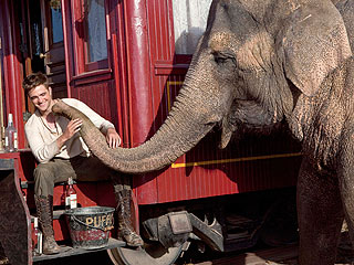 FIRST LOOK: Robert Pattinson &amp; Reese Witherspoon in Water for Elephants| Movie News, Reese Witherspoon, Robert Pattinson