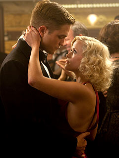 FIRST LOOK: Robert Pattinson &amp; Reese Witherspoon in Water for Elephants