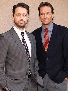 Jason Priestley & Luke Perry Recall 'Homoerotic' 90210 Scenes