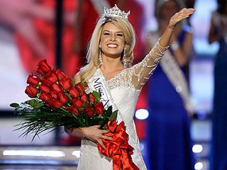 Miss Nebraska Becomes Miss America