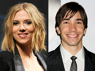 Scarlett Johansson and Justin Long Are Concert Buddies | Justin Long, Scarlett Johansson