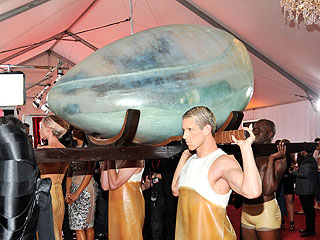 PHOTO: Lady Gaga's Egg-cellent Grammy Arrival | Lady Gaga