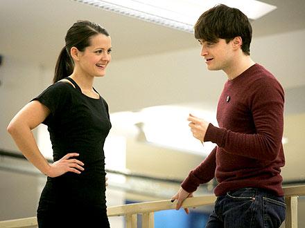 FIRST LOOK: Daniel Radcliffe Sings & Dances on Broadway!| First Look, Daniel Radcliffe