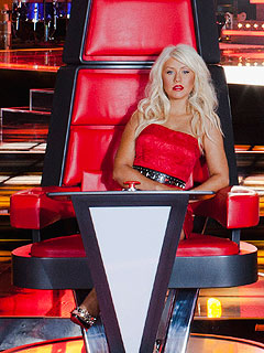 http://img2.timeinc.net/people/i/2011/news/110328/christina-aguilera-240.jpg